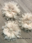 Flower & lace embellishment x1. Heirloom Cream