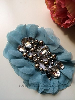 'Dakota' chiffon applique. x1. Winter blue