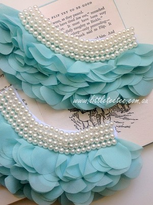 Ruffles and pearls applique. x1 Aqua