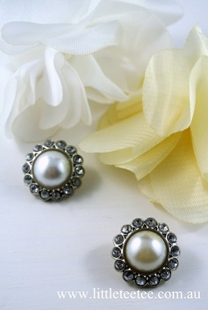White or Ivory Pearl Buttons with diamonties x 1