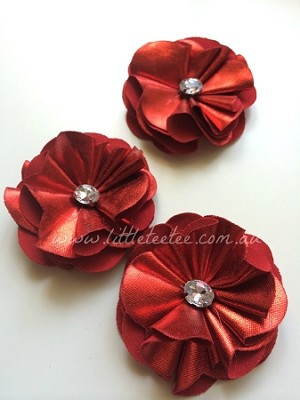 Metallic flower. Felt backed. x1 Red