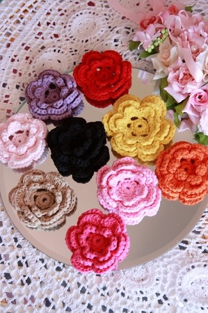 BLACK Crochet flowers x 1