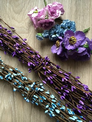 Pip berry stems for halos. x 1. Purple or Blue
